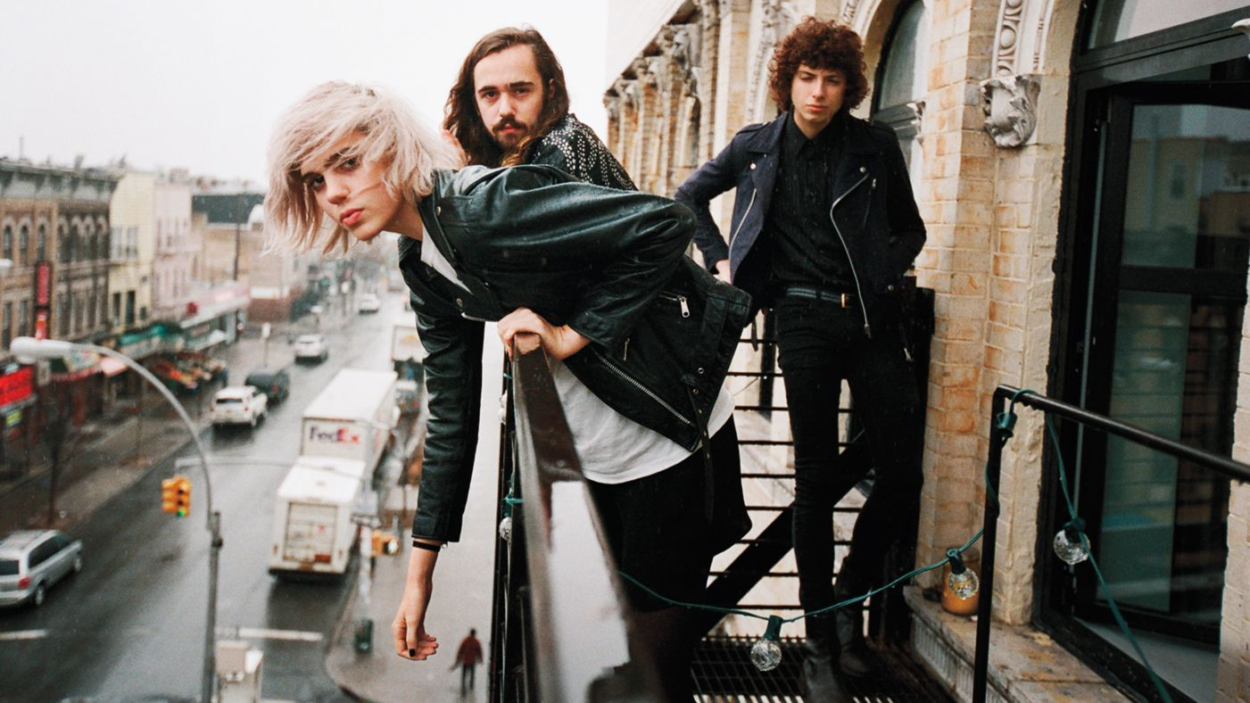 1401x788-R1253_FOB_Sunflower_Bean_A